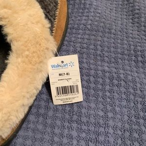 Shoes - Women's slippers brand new